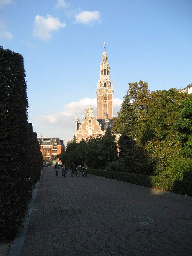 The University Library from Herbert Hooverplein